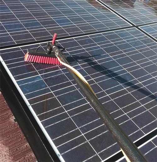 solar panel cleaning northampton